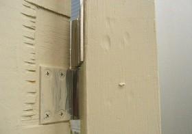 風除室のドア 吊り金具
