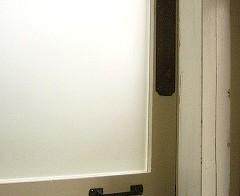 ドアの金具
