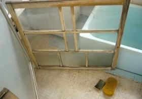ベットルーム・窓枠のお掃除 1