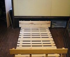 ベッドルーム下の収納 2