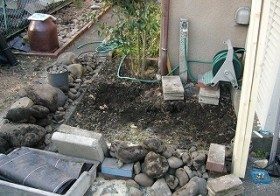 水道周りの雑草対策・お庭 6