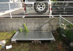 庭の物置 2