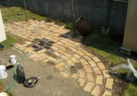 庭・煉瓦の色変え・下