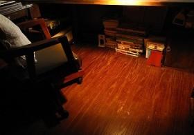 彼女部屋 机下の棚