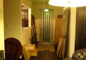 玄関のアンティーク扉設置1
