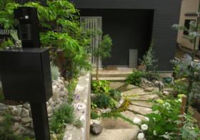 2012年 夏の庭