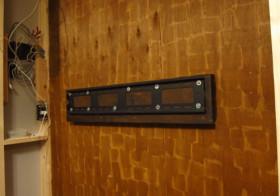 TV壁面作り9 壁掛金具設置