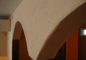 アーチの壁11 漆喰塗り3