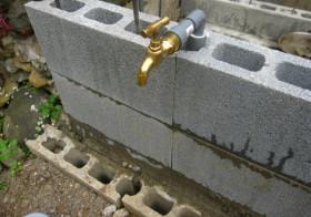 玄関アプローチ前の小庭17 手洗い場6