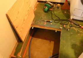 洗面所2 床下の配管移動1