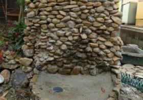 玄関アプローチ前の小庭26 手洗い場15