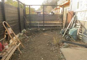 南側の庭1 枕木敷き1