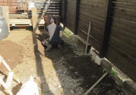 南側の庭4 枕木敷き2