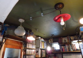 図書室18 天井照明2
